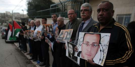 Manifestation de soutien au journaliste palestinien Mohammed Al-Qiq, à Jérusalem le 18 février 2016.