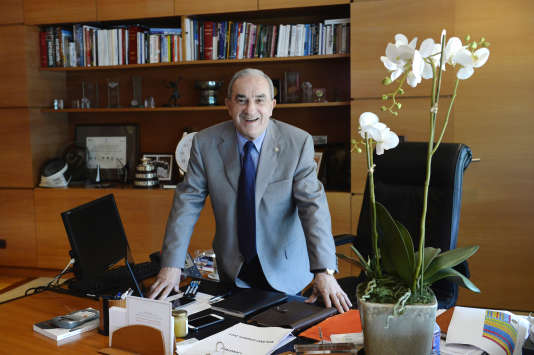 Jean Gachassin dans son bureau au siège de la FFT à Roland-Garros, en mai 2015.