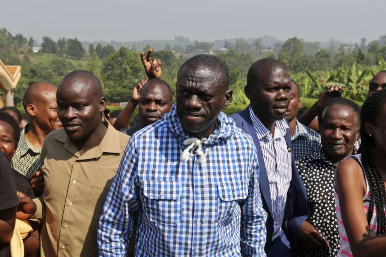 Kizza Besigye, le principal candidat de l'opposition en Ouganda, à Kampala le 18 février.
