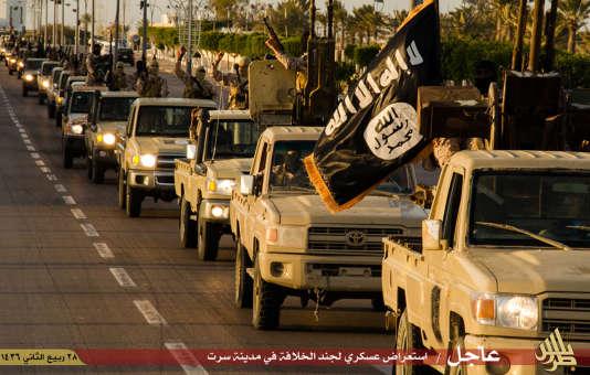 Image de propagande de l'Etat islamique montrant ses membres à Syrte en Libye, le 18 février 2015.