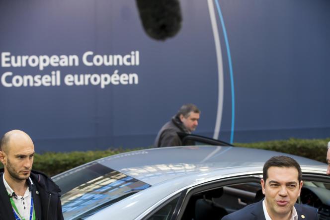 Alexis Tsipras, premier ministre grec, arrive au conseil européen, vendredi 19 février.