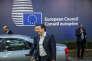 Alexis Tsipras, le premier ministre grec, sort du Sommet des chefs d'Etat et de gouvernement au Conseil européen à Bruxelles, Belgique, vendredi 19 février 2016.