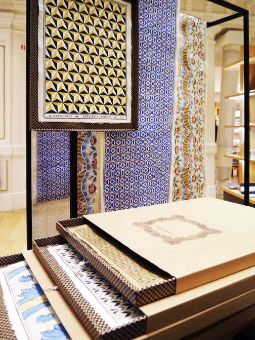 Les dominos aux mille motifs de l'atelier Antoinette Poisson.