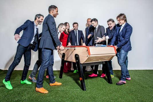 """L'équipe du """"CFC"""" : Dominique Armand, Habib Beye, Marie Portolano, Hervé Mathoux, Mickaël Landreau, Eric Carrière, Daniel Bravo, Pierre Ménès, Christophe Dugarry."""