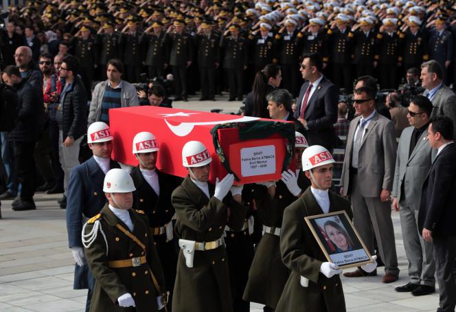 Funérailles des victimes militaires de l'attentat du 17février, à Ankara, le 19 février.