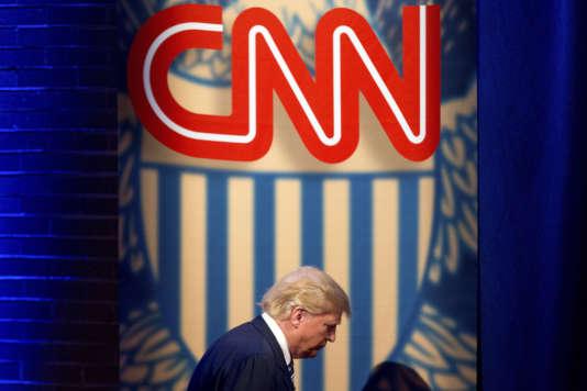Sur CNN, Donald Trump a indiqué : « Oui, j'ai pu dire cela. Je n'étais pas un homme politique. C'était probablement la première fois qu'on me posait la question. »