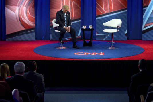 Donald Trump pendant l'enregistrement d'une émission de CNN à l'université de Caroline du Sud, à Columbia, le 18 février.