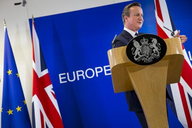 David Cameron lors de sa conférence de presse, dans la nuit de vendredi 19 à samedi 20 février.