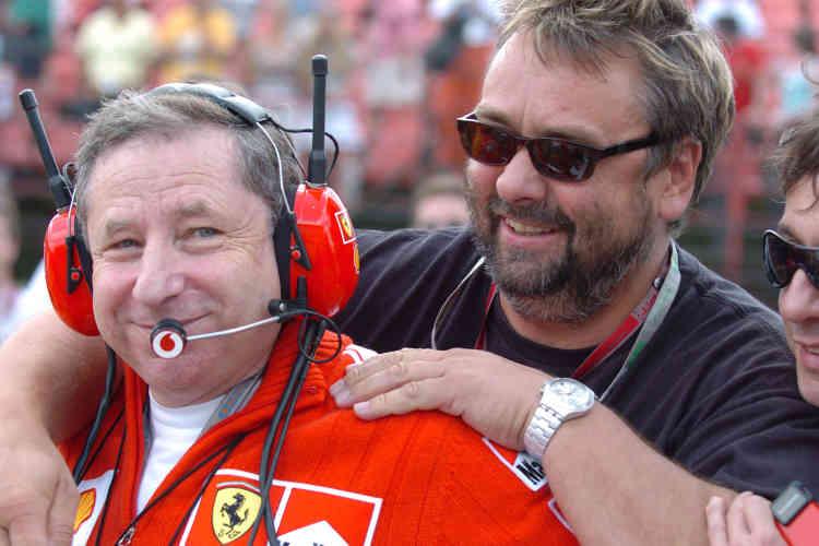 """En 2004 au Grand Prix de Hongrie, avec le réalisateur Luc Besson, réalisateur de """"The Lady"""" et d'un film pour la sécurité routière."""