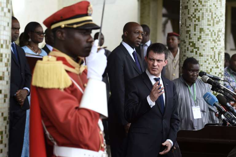 Manuel Valls à Ouagadougou samedi.