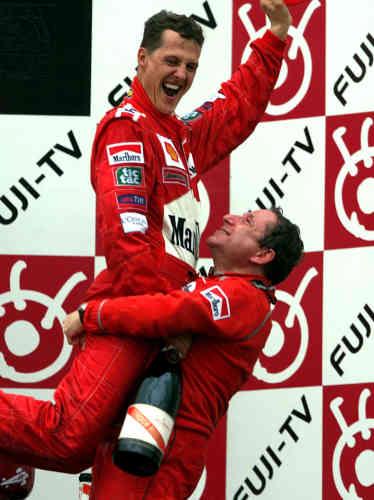 Lors du Grand Prix de Suzuka, remporté par Michaël Schumacher en 2000. La photo est accrochée dans le bureau de Jean Todt à la FIA.