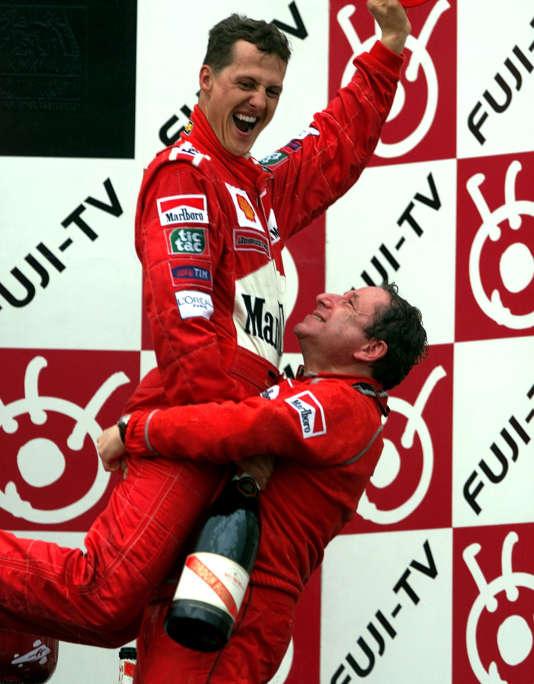 Jean Todt et Michael Schumacher à Suzuka (Japon) en 2000.