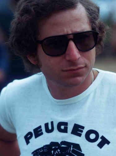 Jean Todt en 1975, alors copilote de l'équipe Peugeot.