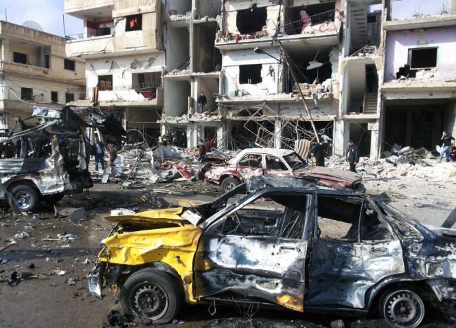 Après un attentat dans le quartier de Zahra, à Homs, le 21 février 2016.