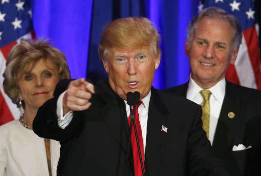 """""""Que va faire l'establishment républicain face à la victoire de Donald Trump. Le détruire ou se ranger derrière lui ?"""", s'interroge le """"New York Times""""."""
