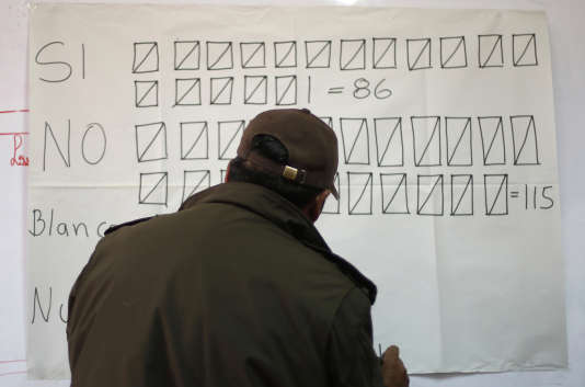 Lors du référendum sur la révision constitutionnelle en Bolivie. A La Paz, le 21 février.