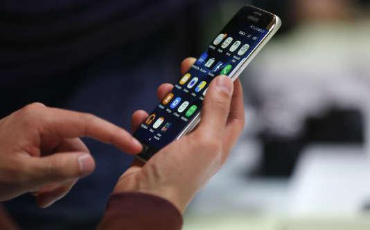 Le Samsung Galaxy S7, présenté au Mobile World Congress à Barcelone.