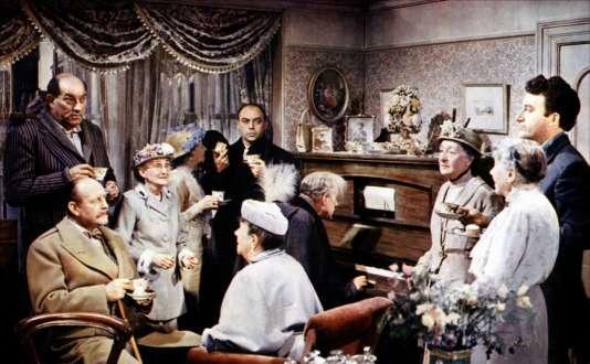 """Les tueurs (à droite, Alec Guinness), les dames de """"Tueurs de dames"""", d'Alexander Mackendrick (1955)."""