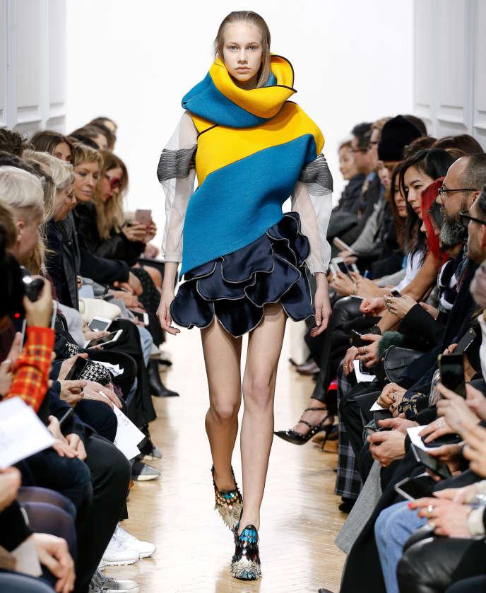 Les clins d œil de la mode aux riches heures de la culture anglaise b16bed01402
