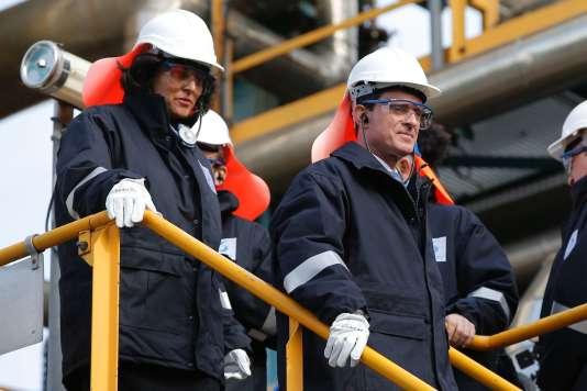Manuel Valls et Myriam El Khomri visitent le site Solvay, le 22 février, à Chalampé, près de Mulhouse.
