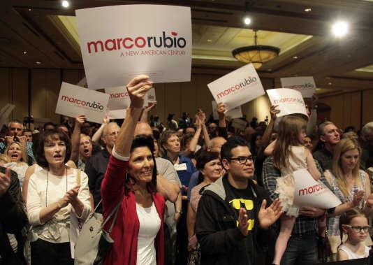 Le sénateur de Floride Marco Rubio a rallié les personnalités locales du Parti républicain et des partisans esseulés de Jeb Bush.