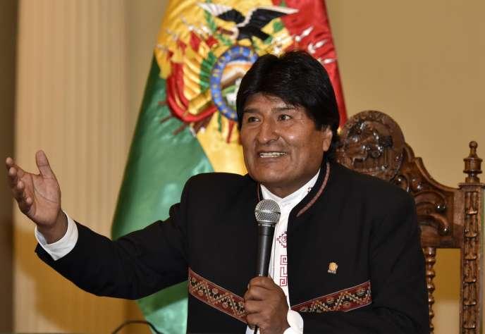 Le président de la Bolivie, Evo Morales, répond aux questions de la presse au palais Quemado, à La Paz, lundi 22 février.