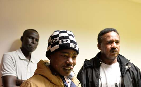 Des Soudanais au centre d'accueil et d'orientation du Mans le 22 février.