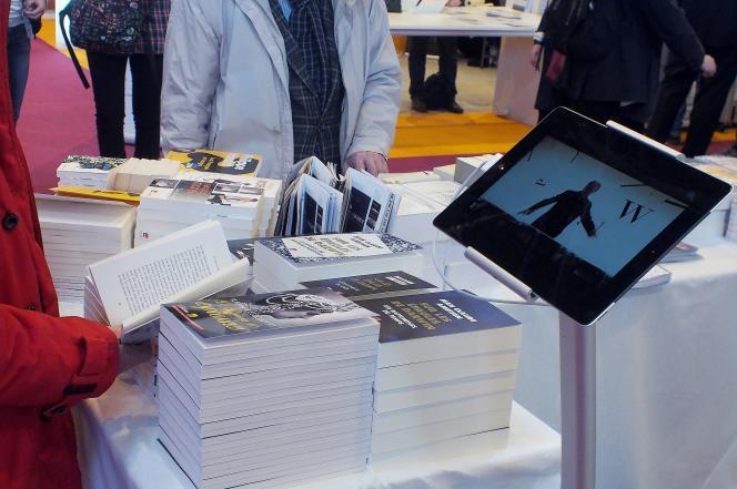 Au Salon du livre, en mars 2014, à Paris.
