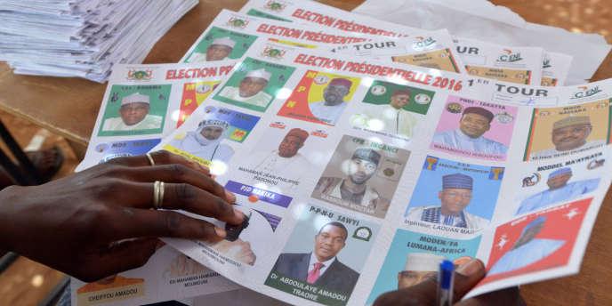 Un bureau de vote à Niamey durant les élections législatives et présidentielle, le 21 février.