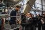 """""""Quatre cents PMI françaises ont déjà fait le choix de basculer leur appareil de production vers le numérique, en rejoignant le plan Industrie du futurlancé par Emmanuel Macron"""" (Photo: Cernay, le lundi 22 février. Visite du premier ministre, du ministre de l'industrie et de la ministre du travail de l'usine Protechnic dans le Haut-Rhin)."""