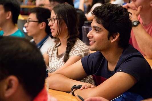 L'école polytechnique, surnommée l'X, à Paris, souhaite développer son ouverture à l'international.