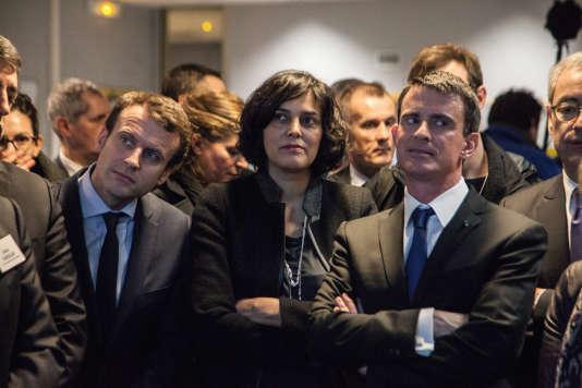 Emmanuel Macron, Myriam El Khomri et Manuel Valls  en visite à l'usine Solvay du site de Chalampé (Haut-Rhin).