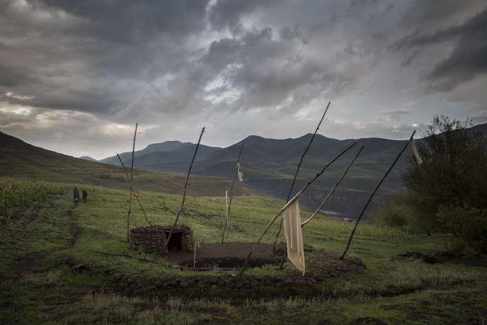 Une source, maintenant tarie, qui permettait à des agriculteurs locaux d'arroser leurs cultures.