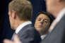 Le président du conseil des ministres de l'Italie, Matteo Renzi, entre Donald Tusck, président du Conseil européen, et Jean-Claude Juncker, président de la Commission européenne, à Bruxelles, en 2014.