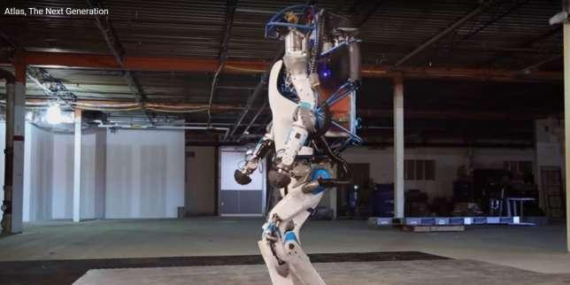 Le nouveau robot humanoïde qui tombe, se relève, et ouvre les portes