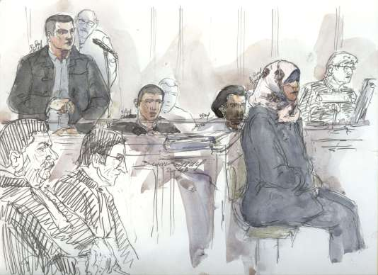 De gauche à droite : Bilal Taghi (24 ans), Faycal Ait Messoud (19 ans), Mansour Ly (22 ans) et Sihem Laidouni (22 ans) pendant leur procès au tribunal correctionnel de Paris,  mercredi24février.