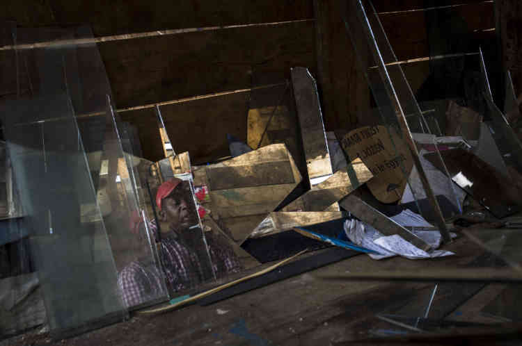 Dans le quartier de Jabe. Le président, Pierre Nkurunziza, avait assuré à la délégation du Conseil de sécurité de l'ONU venue fin janvier au Burundi l'exhorter à mettre fin aux violences, que le pays était, selon lui, « en sécurité à 99 % ».