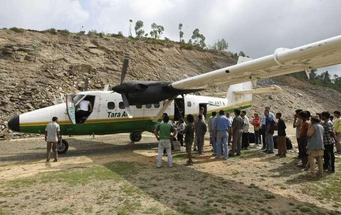 Le contrôle aérien a perdu le contact avec l'avion quelques minutes après son décollage mercredi matin de la localité de Pokhara, dans l'ouest du Népal, a indiqué la compagnie Tara Air.