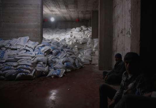 De l'aide humanitaire dans un entrepôt du quartier de la Ghouta, en banlieue de Damas.