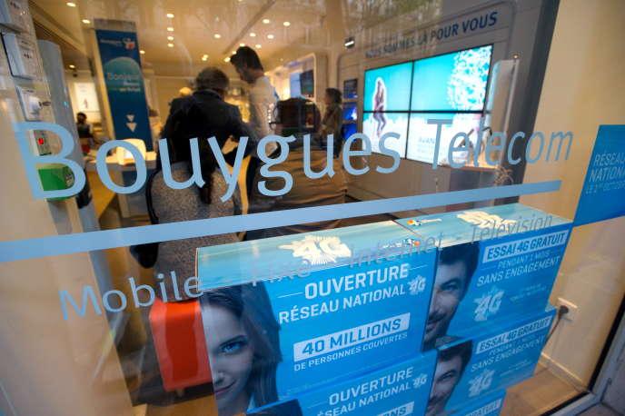 Magasin Bouygues Telecom à Paris.