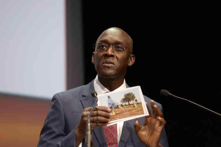 """Le vice-président de la Banque mondiale pour l'Afrique, Makhtar Diop : """"Les femmes africaines qui font des """"métiers d'hommes"""" gagnent trois fois plus que celles qui ont des """"métiers de femmes""""!"""""""