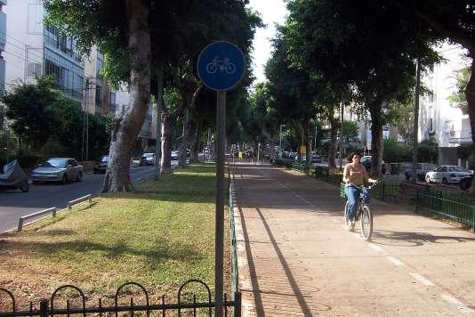Le boulevard Rotschild, cœur du quartier des start-up de Tel-Aviv.