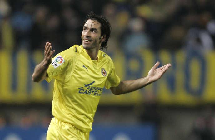 Le milieu offensif Robert Pirès, sous le maillot de Villarreal, en janvier 2007.