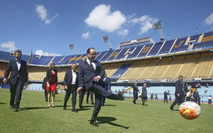 Francois Hollande en Argentine le 25 février.