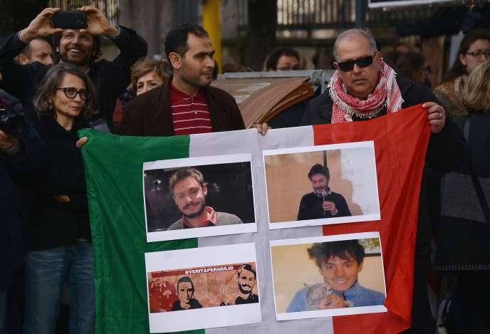 Manifestation devant l'ambassade d'Egypte à Rome le 25 février, pour l'étudiant Giulio Regeni, retrouvé mort au Caire avec des traces de torture.