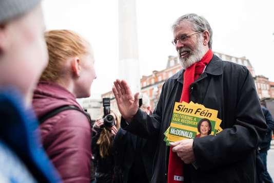 Le Sinn Fein, ex-vitrine politique de l'Armée républicaine irlandaise (Irish Republican Army, IRA), peut se targuer d'être arrivé à la troisième place, avec 22sièges, soit, à ce stade, 8 de plus qu'en2011, confirmant son installation dans le paysage politique irlandais.