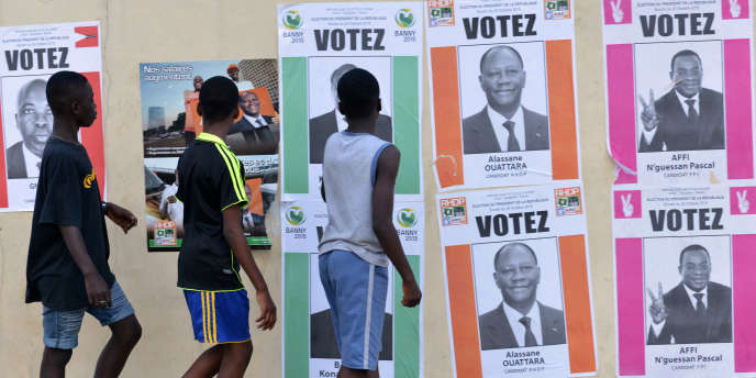 Pendant la campagne présidentielle ivoirienne en octobre 2015 à Abidjan, en Côte d'Ivoire.