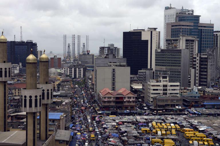Une vue de Lagos, la capitale économique du Nigeria, en mai 2015. Lesestimations du nombre d'habitants de cette mégapole varient de 10 à 20 millions.