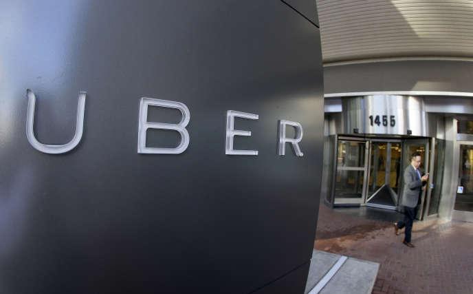 Uber et les entreprises-plates-formes similaires surprennent non par leur activité ou leur inventivité, mais par les contrats marchands qui organisent leur production (Photo: siège d'Uber à San Francisco en 2015).