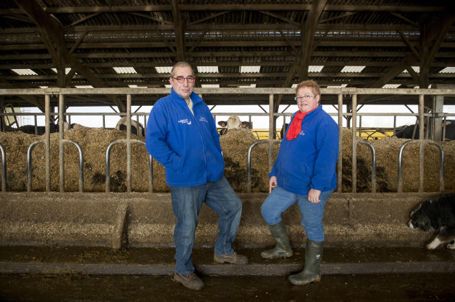 Aujourd'hui Claude Marchais (ici avec sa femme Christine) est bénévole chez Solidartié paysans où il accompagne d'autres éleveurs en difficulté.